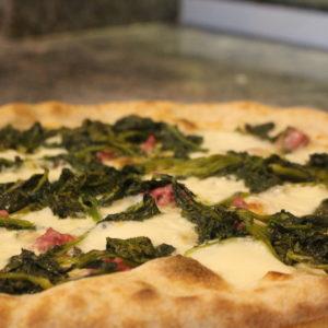 Salsiccia e Friarielli - L'Angolo della Pizza