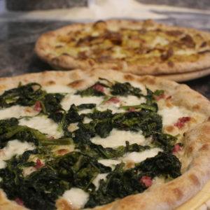 Salsiccia, friarielli e provola, L'angolo della Pizza, pizzeria a Cecina