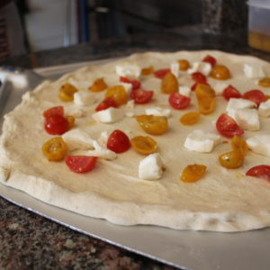 Pizza pomodorini gialli e rossi - L'Angolo della Pizza - pizzeria a Cecina. Pizza facilmente digeribile - farine integrali, biologiche o 00