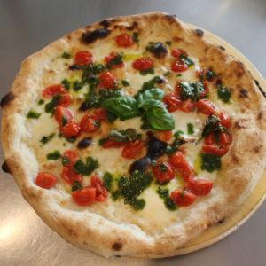 Pizza pomodorini e pesto - L'Angolo della Pizza - pizzeria a Cecina. Pizza facilmente digeribile - farine integrali, biologiche o 00